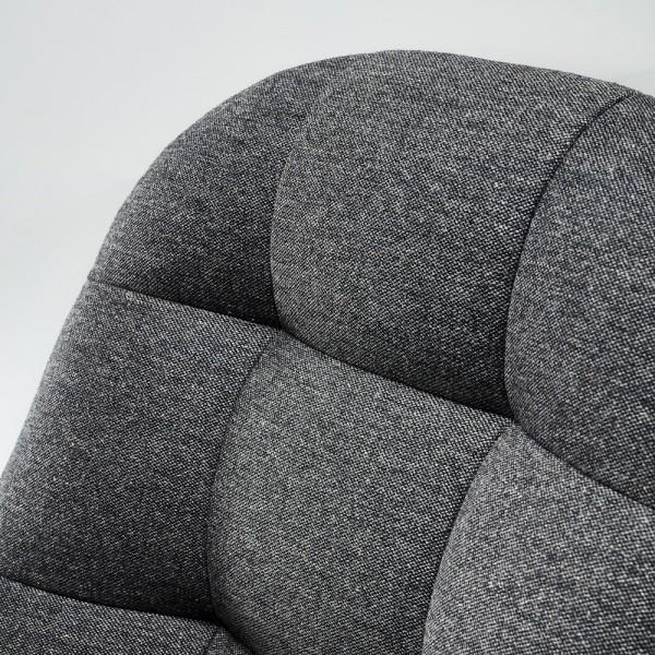 Sessel in hochwertigem Polsterstoff