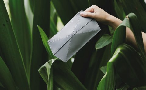 ZAND EROVER - Minimalist Leather Design